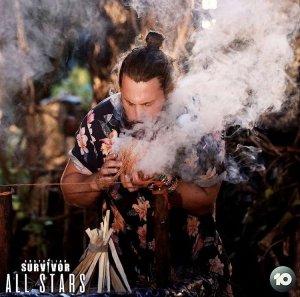 alian Survivor S05E21 AK fire making